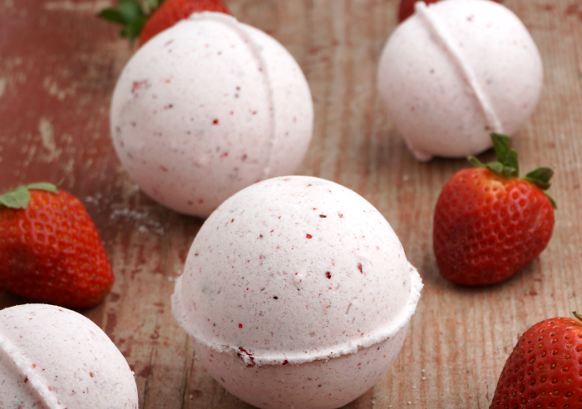 Ces bombes de bain aux fraises sentent tellement bon...