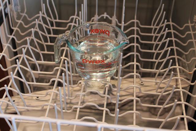 Le meilleur truc pour laver son lave-vaisselle!