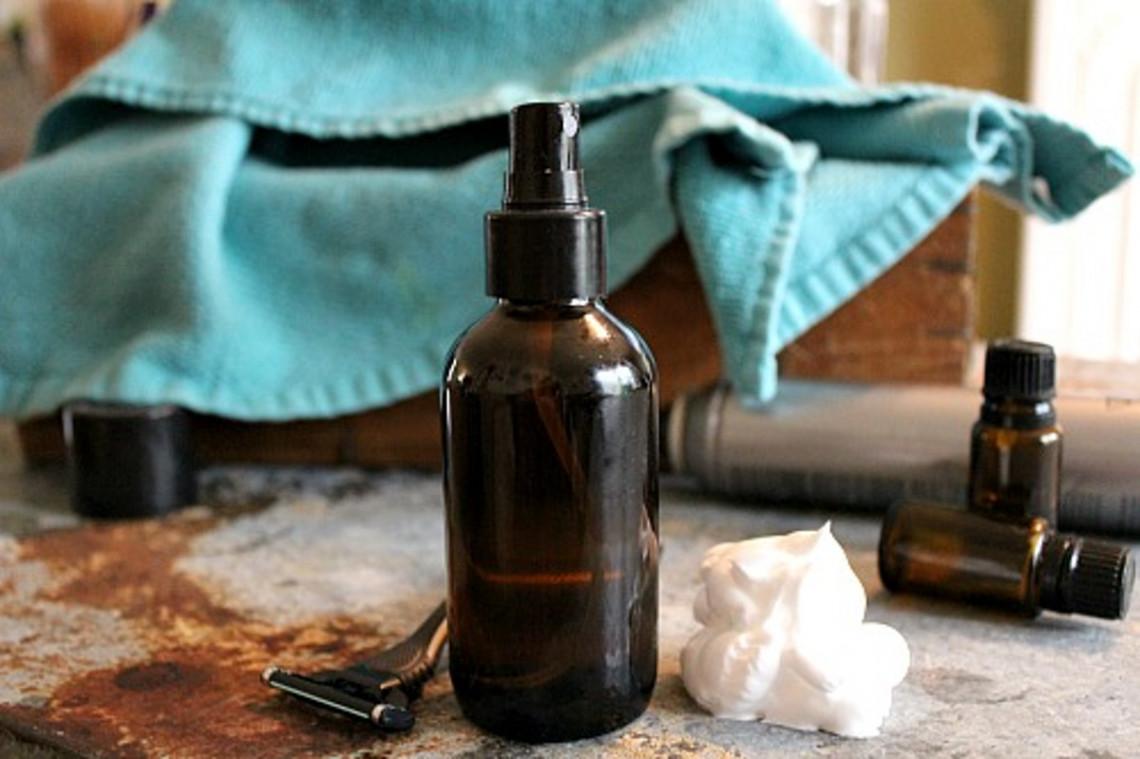 Le meilleur truc pour fabriquer un après-rasage maison (Aftershave très facile!)