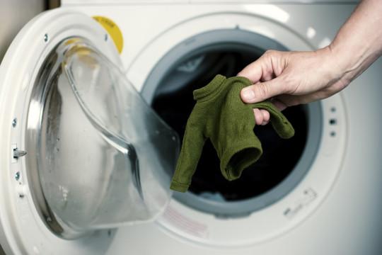Le meilleur truc pour sauver un chandail de laine qui a rétréci au lavage