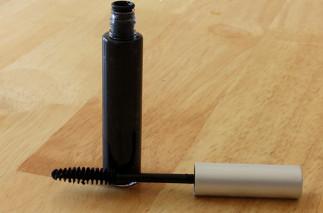 Le meilleur truc facile pour faire son mascara 100% naturel maison!