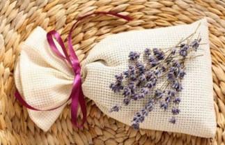 Créez ce pot-pourri maison à la lavande pour aider votre sommeil