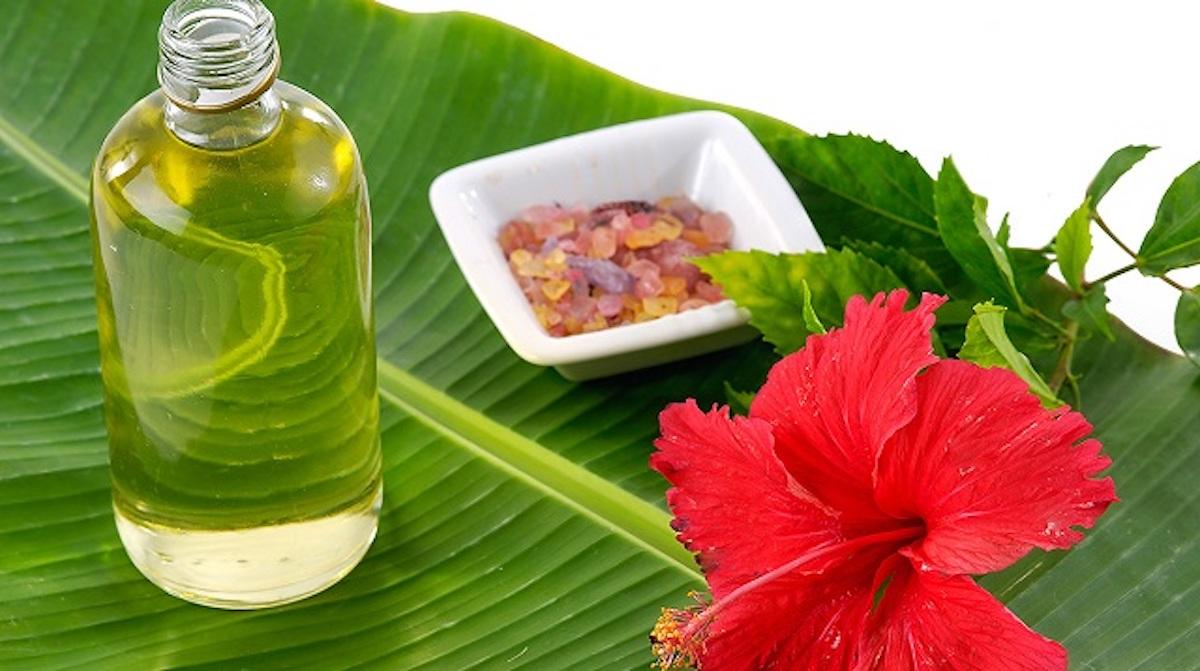 Recette facile et naturelle de sérum anti-âge à base d'hibiscus