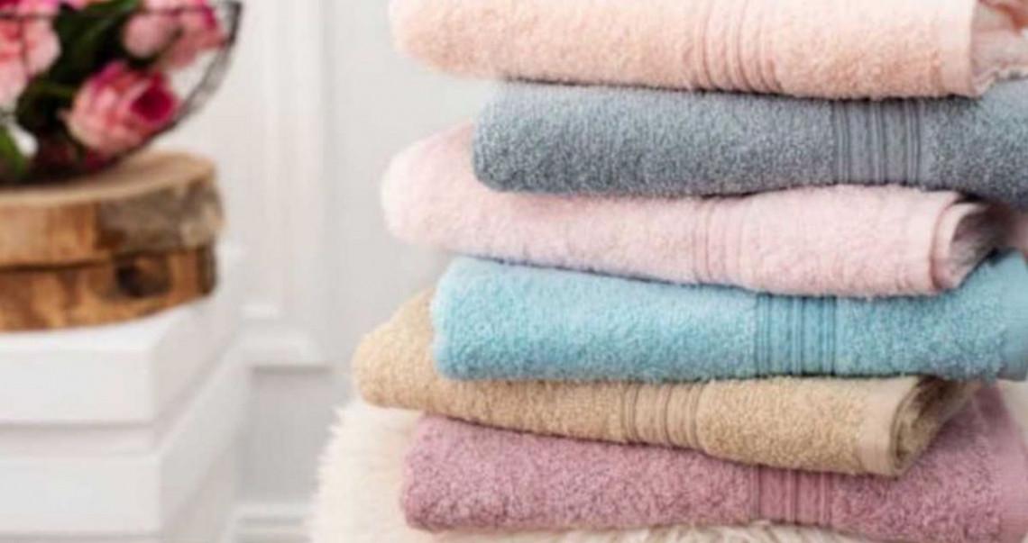 Truc facile pour redonner de la douceur à vos serviettes de bain!