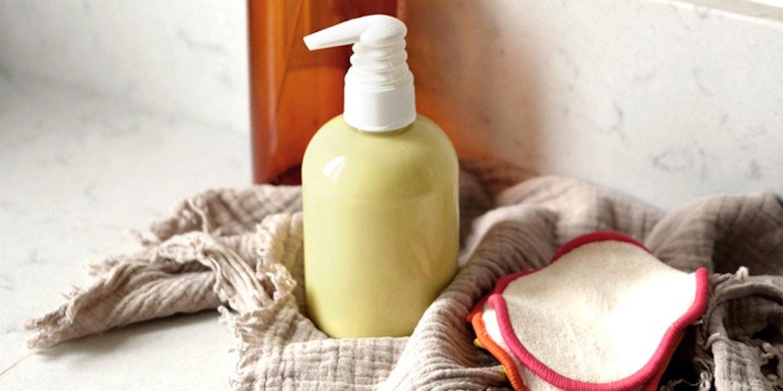 Créez votre liniment maison pour nettoyer les fesses de bébé!