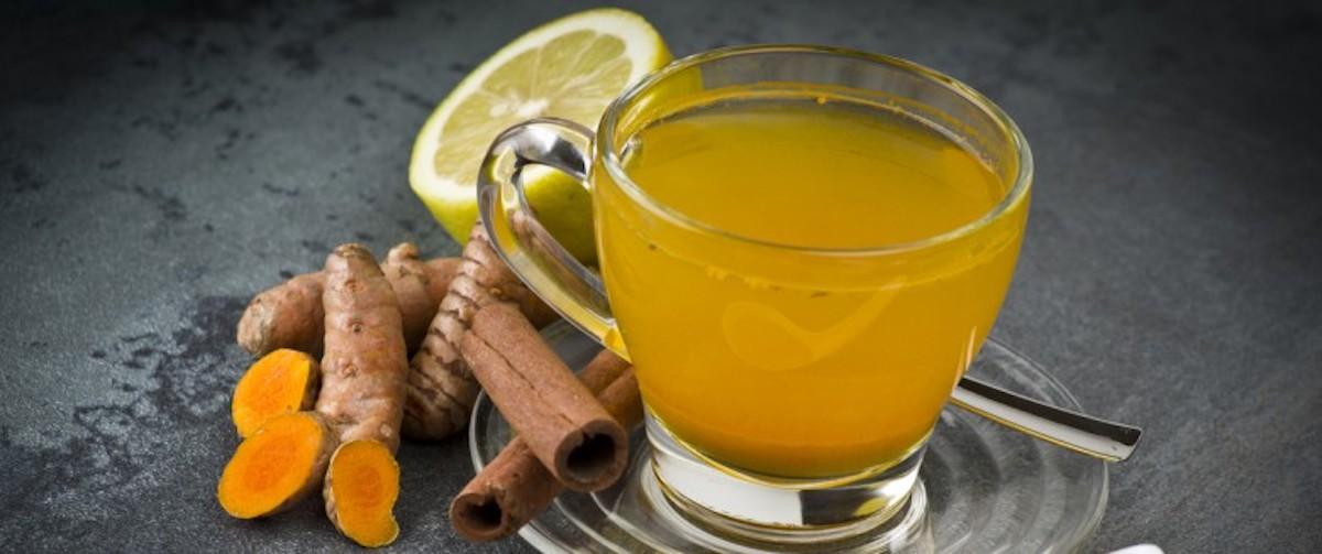Ce thé matinal détoxifiant est bon pour votre santé et très facile à faire!