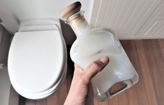 Le vinaigre, encore plus efficace en gel pour nettoyer votre salle de bain!