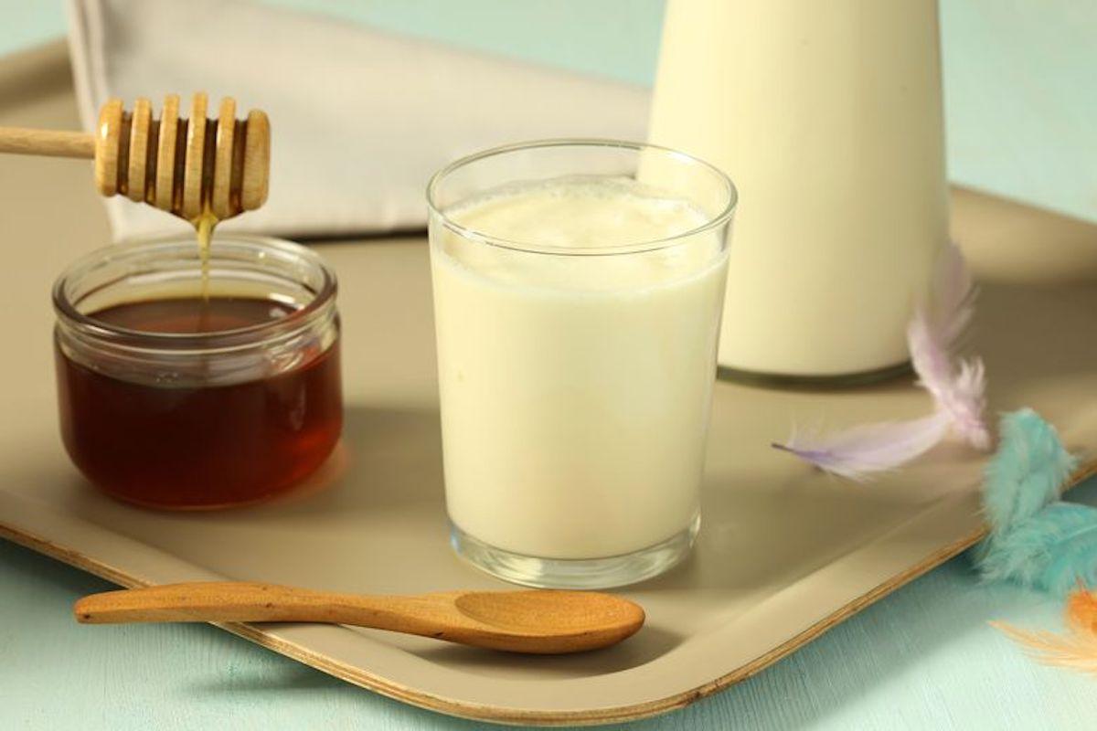 Cette boisson naturelle vous aidera à vous endormir rapidement!