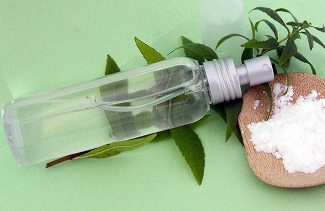 Un déodorant liquide maison qui vous assurera fraîcheur toute la journée!