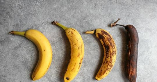 3 trucs faciles pour aider à conserver vos bananes plus longtemps!