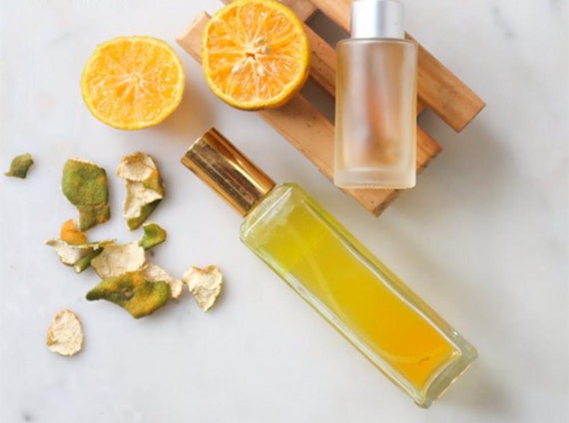 Toner maison à l'orange super facile à faire (2 ingrédients seulement!)